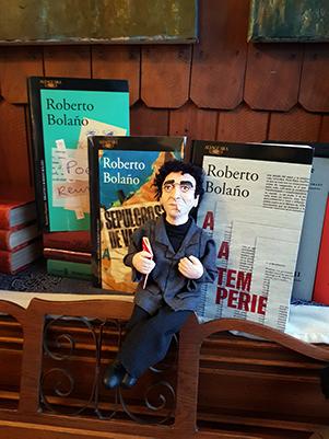 FIGURA DECORATIVA ROBERTO BOLAÑO